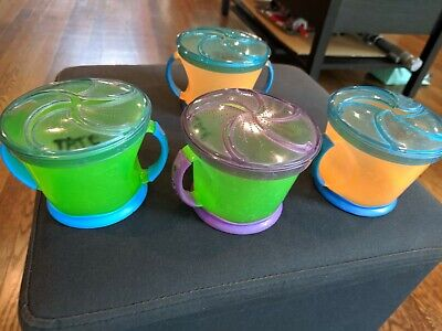 4 Munchkin Snack Catchers & 6 Sippy Cups