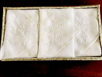 VINTAGE UNUSED BOXED HAND EMBROIDERED Butterfly White LAWN LADIES HANDKERCHIEFS