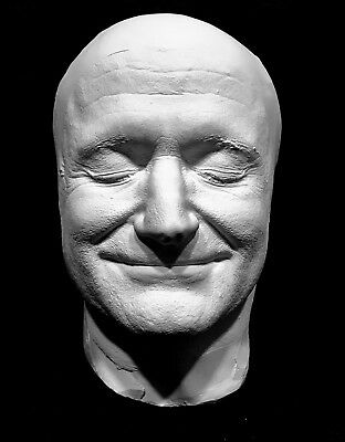 A Smiling and Very Happy Robin Williams Life Mask Cast with Amazing Detail !!!