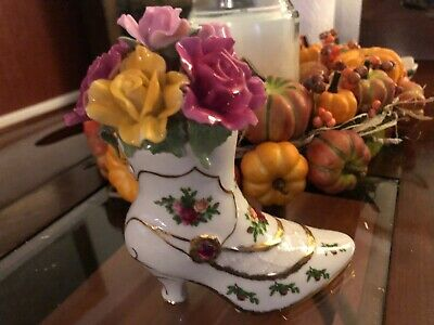 Royal Albert OLD COUNTRY ROSES Boot Music Box w/ Applied Roses