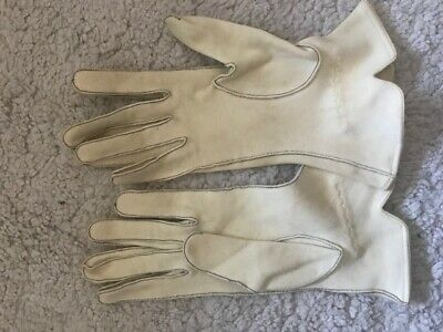 VINTAGE 1930s CREAM WRIST LENGTH GLOVES