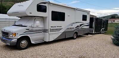 "2001 Winnebago Minnie Winnie 30'2"" length, one slide, E450 Ford, Triton V8"