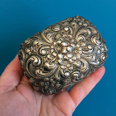 Antique Georges C. Shreve & Co Sterling Silver Hand Chased Repousse box 138 grs
