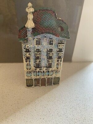 Casa Batllo Ceramic.    H 13cm Hand Made /paintedReproduction Of The Casa Batllo