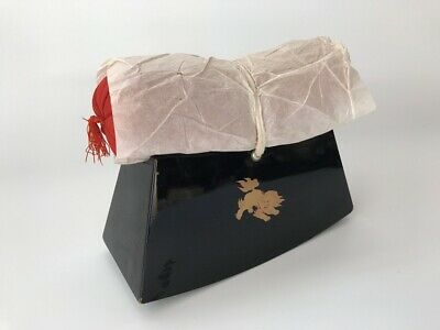 Japanese Antique Pillow Wooden Stand Lacquer Ware Shi-shi Lion Flower g292