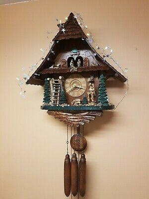 HUGE STUNNING  8 DAY   MUSICAL CUCKOO  CLOCK  / Servised/VERY Clean/ SWITCH OFF