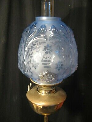 EXCELLENT BLUE ETCHED and  MOULDED  BEEHIVE SHADE  for an OIL LAMP