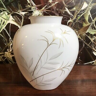 Heinrich Germany, Classy Vase with Grass, Gold Uninstall Kor