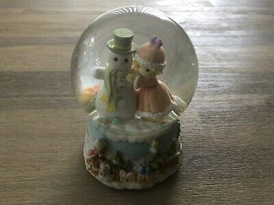 Enesco Musical Christmas Snowglobe - Very Good Condition - Fast Postage !!