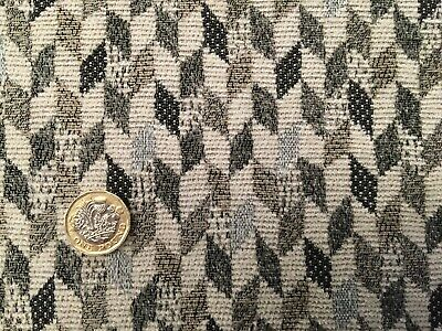 THICK QUALITY NEUTRAL OATMEAL CIRCLE PATTERNED UPHOLSTERY FABRIC MATERIAL SALE!