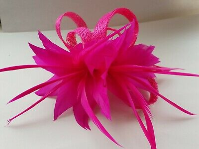 Beautiful Fuschia feather & sinamay looped design fascinator wedding/092