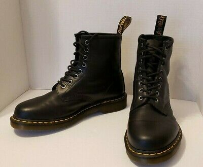 Black Dr. Marten's boots 1460 9M (pre-owned)
