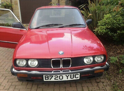 BMW E30 320i Auto 2 door Coupe 1985 Classic! Very Low Mileage! Viewing a must!