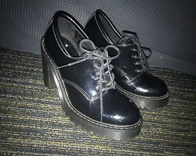 Size 7 Dr. Martens Salome AirWair Chunky Oxford Heel Leather Lace Up Black
