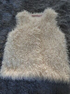 Girls Mantaray Fluffy Gilet age 9-10 EX COND
