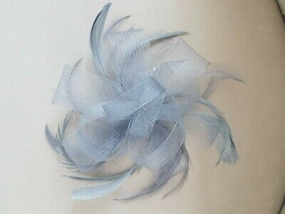 New Silver Feather Comb Fascinator Ladies Day Wedding Hair Looped Net Ribbon