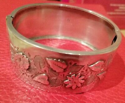 Antique Victorian Aesthetic Movement Hinged Bangle. 1888.