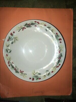 "4 Gibson Holly Berry Christmas  Rimmed 6 1/2"" Soup Cereal Bowls China"