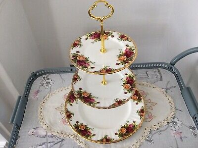 Large Royal Albert Bone China Old Country Roses 3-Tier Cake Stand.