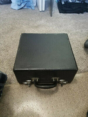 Vintage 1938 Royal Quiet Deluxe Portable Typewriter Good Case, no Instructions