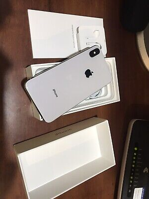 Apple iPhone XS Max - 64 GB - Silver - Immaculate Condition