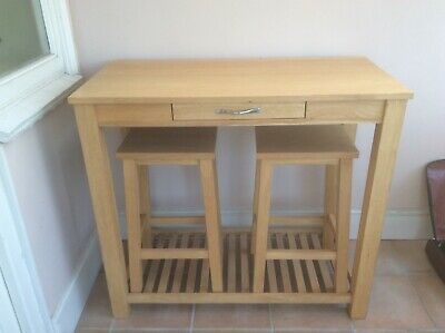Solid Oak Breakfast Bar With Stools