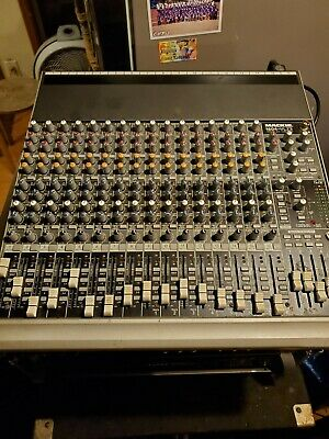 Mackie 1604 VlZ3 16 Channel Mixer Great Condition