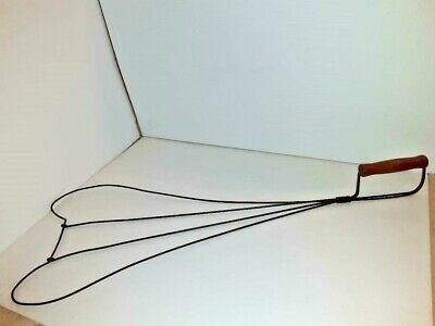 Primitive Antique Wood and Wire Rug Beater offset handle