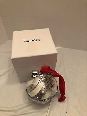 Pandora 2018 Radio City Christmas Spectacular Rockettes Ornament & Pandora Box