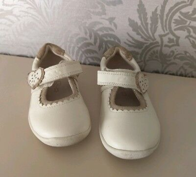 Clarks Baby Girls Leather Shoes Size 5 F Nude Velcro Cream Beige Gold #O