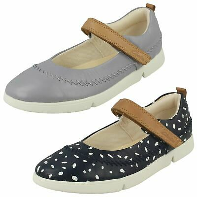 Girls Clarks Tri Molly Hook & Loop Infant Casual Mary Jane Junior Shoes Size