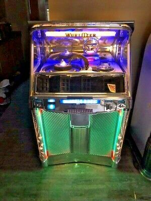 """Wurlitzer """"Classic 2000"""" CD Jukebox, (not a bubbler) With Remote, Free Shipping!"""