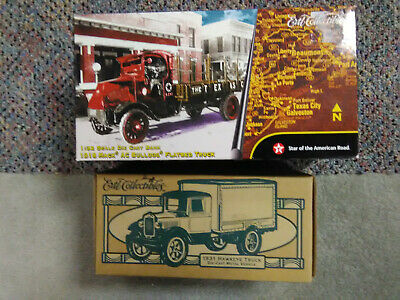 Texaco lot#5, 2 ERTL Diecast banks 1995 & 2001