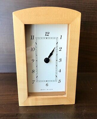 Vintage Mid-Century Modern, Wooden, Desk, Mantel, Clock, Made in USA. Works Grt.