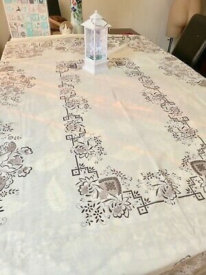 Vintage rectangular floral print tablecloth, never used, large 140 cm x 190 cm