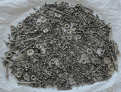 Important Lot Visserie Inox A2-70. Large Lot Stainless Steel Screws.