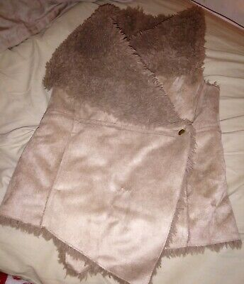Girls River Island Faux suede Gilet Faux Fur lined size 3 years old