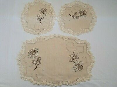 Vintage embroidered doilies Floral Duchess Set