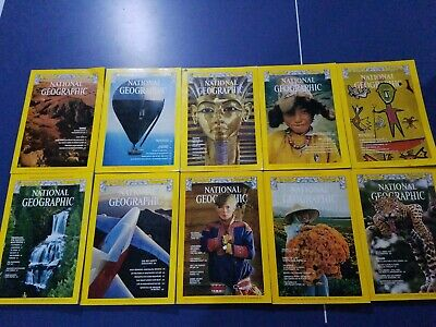 Lot of 10 National Geographic Magazines issues from 1977 with Maps Nice! NAT geo