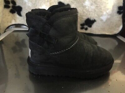 UGG Girls Black Bailey Bow Classic Short Boots Infant UK Size 9