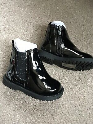 Girls River Island Black Patent Boots /shoes New Size C3