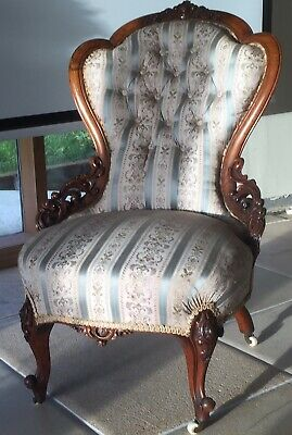 Stunning antique Victorian Walnut Chair, beautiful Carved Frame on Cabriole Legs
