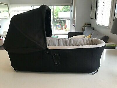 Mountain Buggy Carrycot Bassinet for Duet