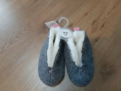 Girls slippers moccasins size 7-8 infant BNWT grey and pink fleecy