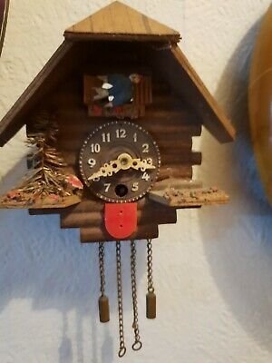 "Small cuckoo clock - all complete - no key - 5"" x 5"". See photos."