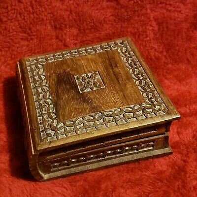 Hand Carved Wood Box Hinged Lid Lined/Padded intricate leaf design