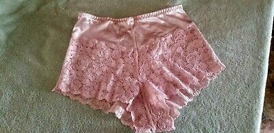 Vitage  High Waist Panty / Bloomers  So Cute Lace Trim.  Size Large