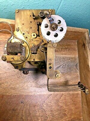 Old Unmarked Electric Clock Movement For Parts/Repair (Untested) (K1199)