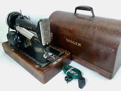 Vintage Singer Sewing Machine with Wooden Case AD343127