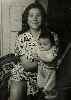 1950s Woman Baby girl Mother Daughter Homemade amateur photo Vintage photo